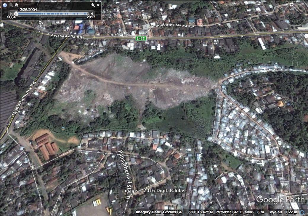 Meethotamulla rubbish mountain 2004